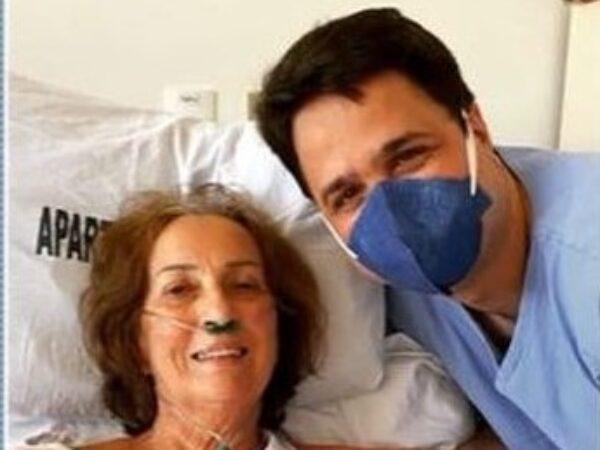 Reencontro: 35 anos depois, médico ajuda a tratar professora da pré-escola, internada com Covid-19